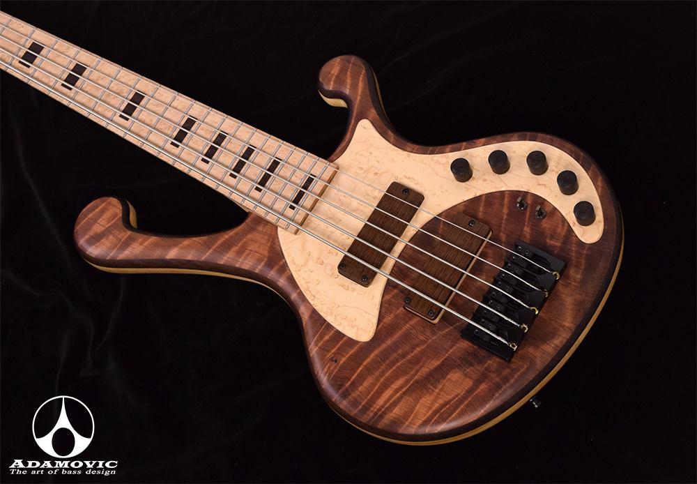 BASS 木材及音色分析 (Adamovic Bass 專業解析)